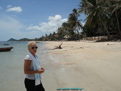 Vos vacances au bord de eau calme thailande toujours chaude et protégé des tsunamis. Les plages de Chaweng ou de Lamaï près de la villa, sont des plages de sable fin, une mer chaude et transparente vous y attende pour une après midi ou une journée de farniente.